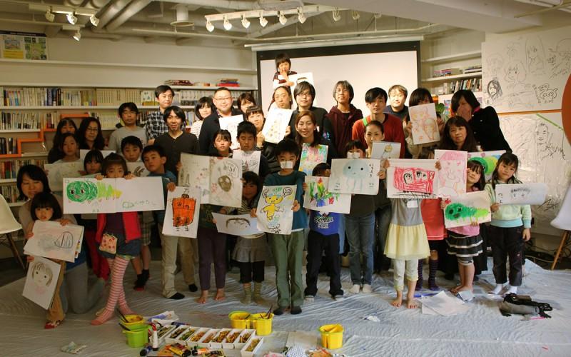 絵画教室ではこどもたちの想像力と才能が爆発 大人もこどももワクワク