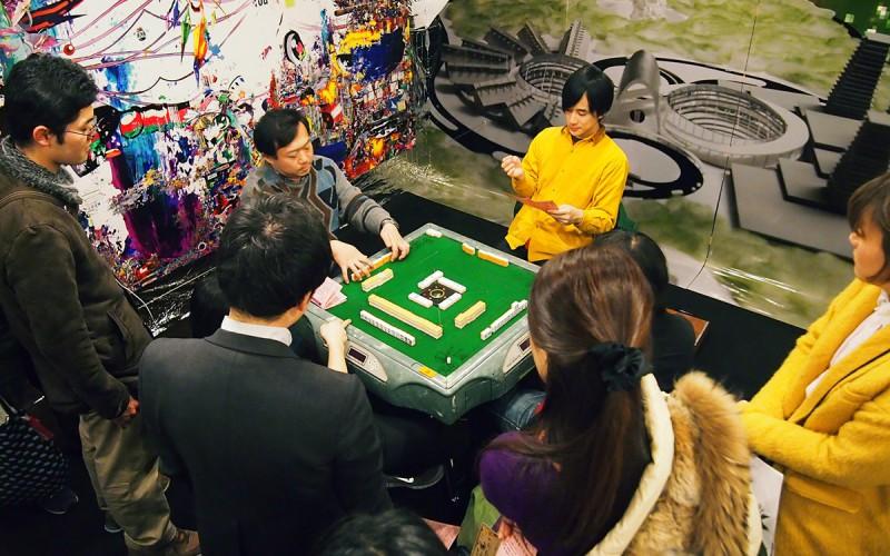 2013年12月には福島第一原発観光地化計画を美術展として展開 500人以上の観客が訪れた